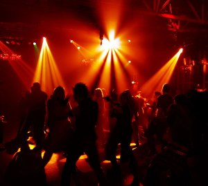 ¿Es bueno ir a la discoteca o no?