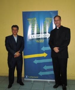 Encuentro del P. Jurgen Daum con Carlos Cuauhtémoc