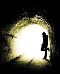 """""""Solo cuando yo pude salir de este mundo oscuro pude ver  a otros haciéndose daño, como yo lo hacía"""""""